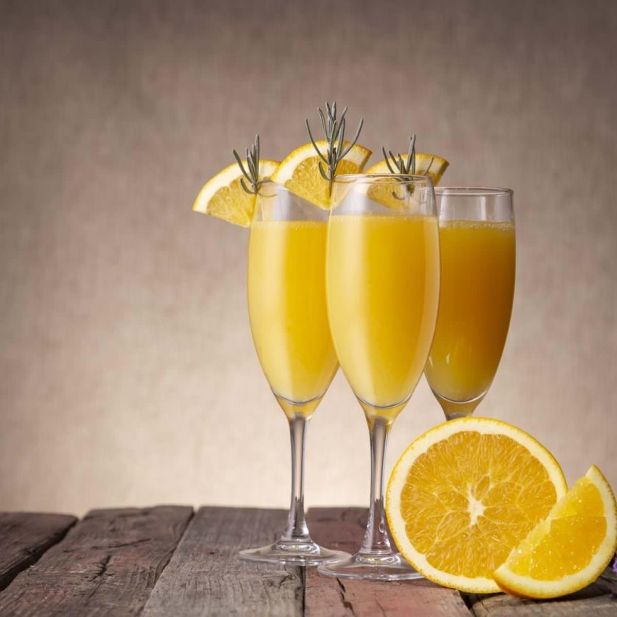 Cocktail Mimosa con succo d'Arancia di Ribera